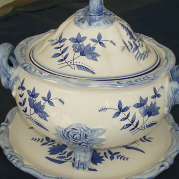 Blue and white Tureen - China and Dinnerware