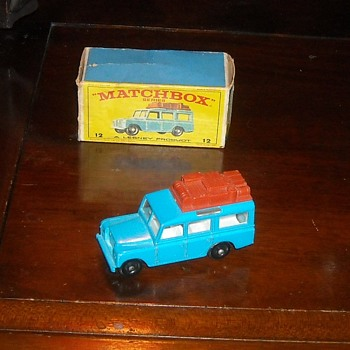 Matchbox MB12 Safari Land Rover with E Style Box