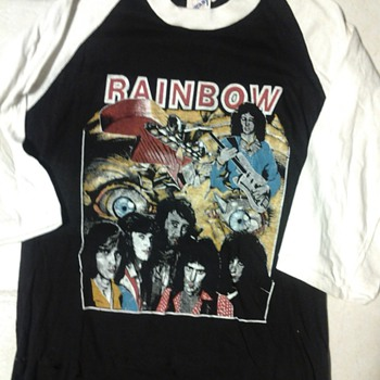 Rainbow raglan year unknown  - Mens Clothing