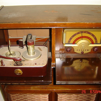 Old Zenith Radio - Radios