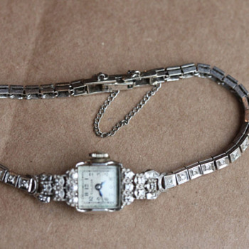 Mystery Watch Left by Grandma!!! - Wristwatches