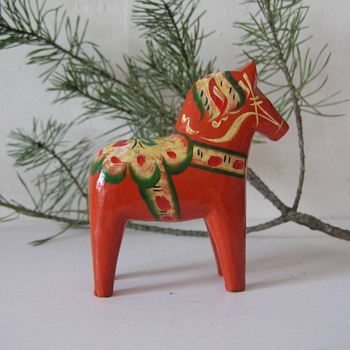 Nils Olsson Swedish Dala Horse