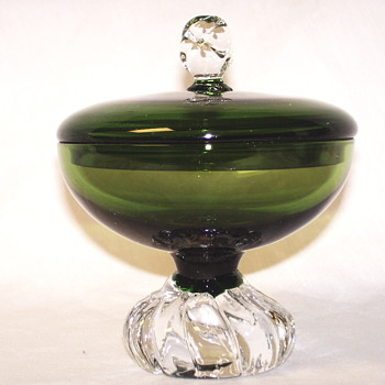 "Pedestal Dish with Lid, Emeral Green""1950-60""Åseda glass of Sweden, Bo Bergström"
