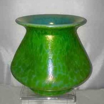 Loetz Ozone with Diana Ciselé Series II, PN 127 Vase  - Art Nouveau