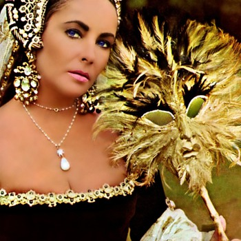 Elizabeth Taylor - Collection of Photos - Photographs