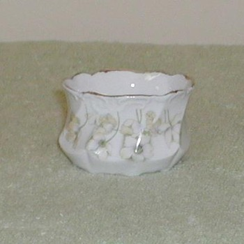 Porcelain sugar bowl with floral design