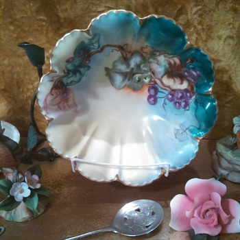 1915 Havilland( France) Porcelain Bowl - China and Dinnerware