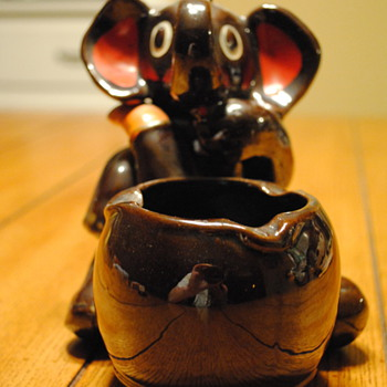 Lusterware Elephant Ashtray - Tobacciana