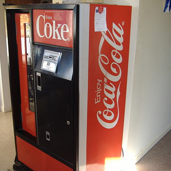 coke machine - Coca-Cola