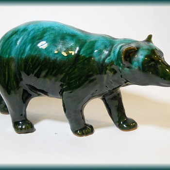 Canadian Pottery Heavy Glaze - Bear