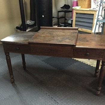 Can anyone tell me about this desk?