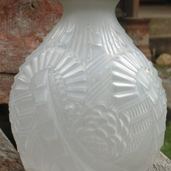 An Art Deco Table Lamp Base - Art Glass