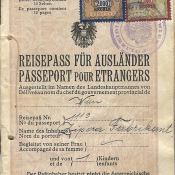 1924 Austrian Stateless passport - Paper