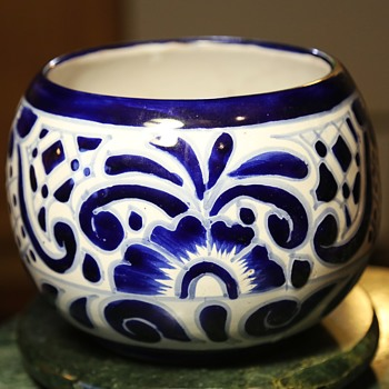 Hecho en Mexico - planter - Art Pottery