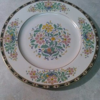 LENOX FLORAL PAINTED PLATE
