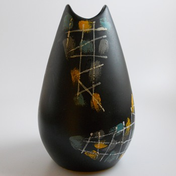 Panmais Royal Plazoid Gouda Holland Vase, Circa 1950-60