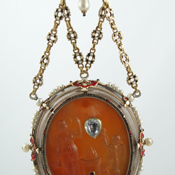 """Renaissance"" double-sided pendant by Reinhold Vasters"