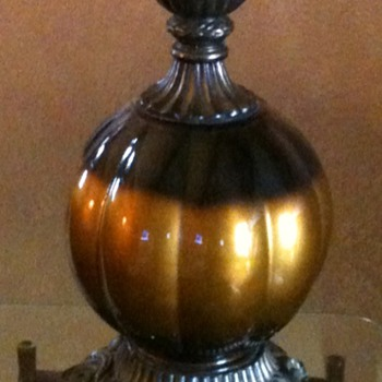 black/gold flourescent lamp, brass based, heavy, stamped