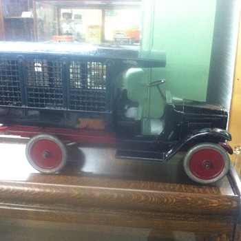 Old pressed Steel truck from the twenties...