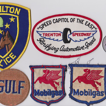 auto collections - Medals Pins and Badges
