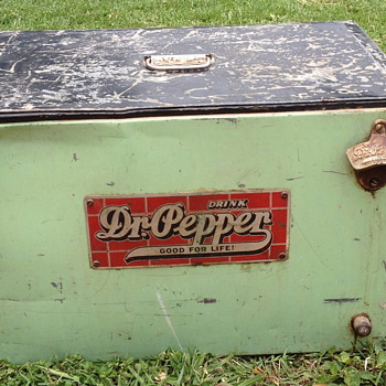  1930&#039;s Atlas Dr. Pepper Counter Cooler - Advertising