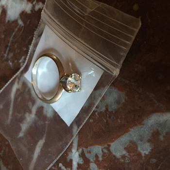 18k GK stamped diamond ring ?
