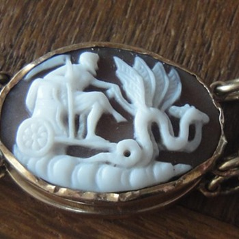 Antique Classic Revival carved cameo bracelet