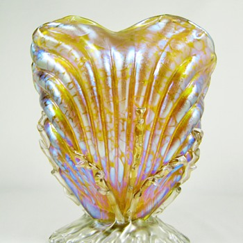 Loetz Candia Papillon Seashell Vase PN# I - 7855 ca. 1898 - Art Glass