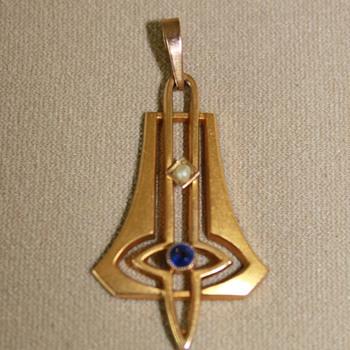 Art Deco Delicate Pendant - Fine Jewelry
