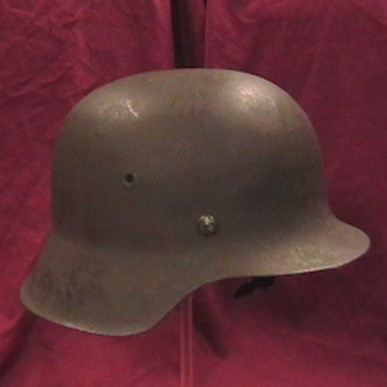 WW II German M 42 Luftwaffe Helmet - Military and Wartime