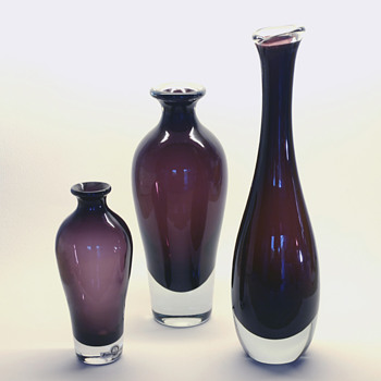 Gunnar Nylund ametyst/burgundy vases - Strömbergshyttan 1956-57. - Art Glass
