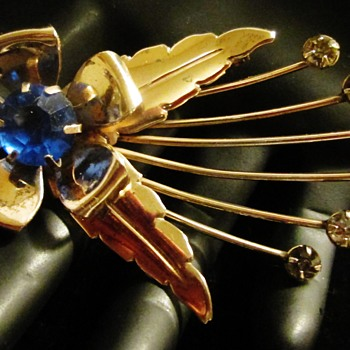 Space Invaders Flower brooch - Costume Jewelry