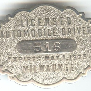 Milwaukee 1925 Licensed Automobile Driver badge - Medals Pins and Badges