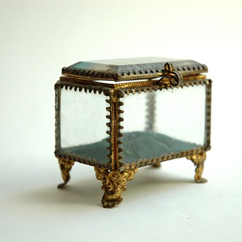 french victorian jewellery box,  touristic item from montmartre