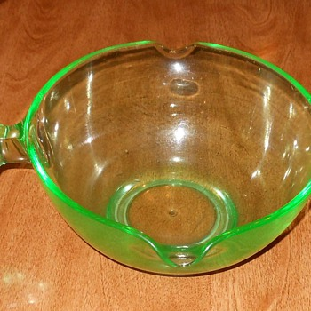 Depression Glass Mixing Bowl - Glassware