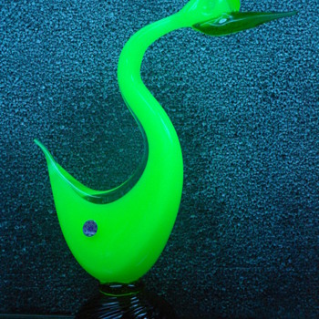 Murano Uranium Pheasant Head Up Brown Base - Art Glass