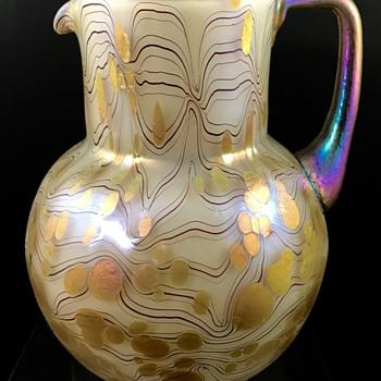 Loetz Jug, Opal Phänomen Genre 85/3839 m. Silberhenkel, PN II-2299/Krügel, ca. 1905 - Art Glass