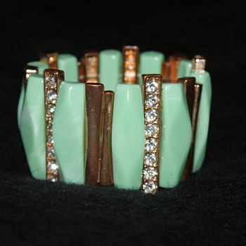 Vintage Thermoset Plastic and Rhinestone Stretch Bracelet