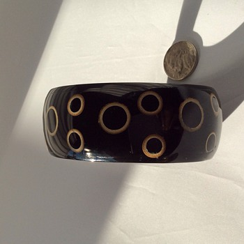 Rare Bakelite bangle - Costume Jewelry