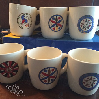 What's This Pattern? / USA Coffee Mugs (Celtic Avant Garde? Folk Art?) Help Please! :D  - Kitchen