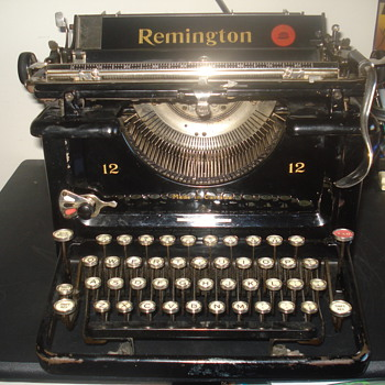1925 Remington 12 desktop typewriter - Office