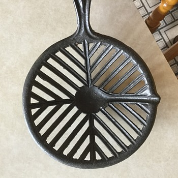 Cast iron pan for lead shot?