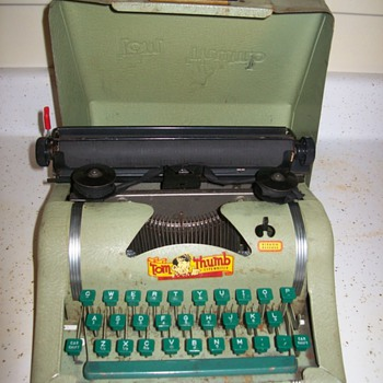 Tom Thumb Typewriter - Office