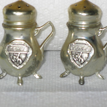 Silver &quot;TEXAS&quot; Salt and Pepper Shakers - Kitchen