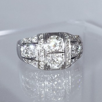 Antique Art Deco OMC Diamond & Platinum Ring 1.75 ctw  - Art Deco