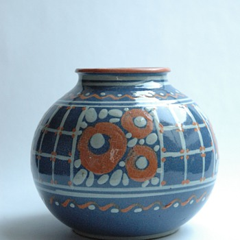 french art deco pottery vase by LEON ELCHINGER circa 1920