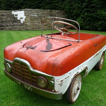 1950s Tri-ang Zephyr Pedal Car