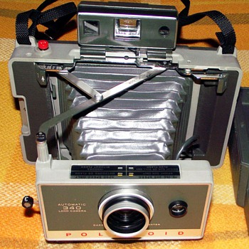 1976-polaroid 340 land camera+2 photos-part 2.