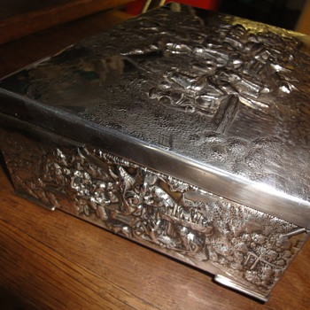Silver plated rich decorated jewelry box - Fine Jewelry