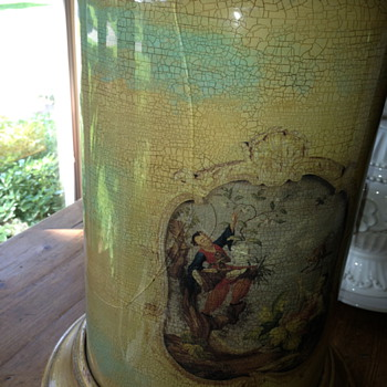 Vintage lamp with chinoiserie scene